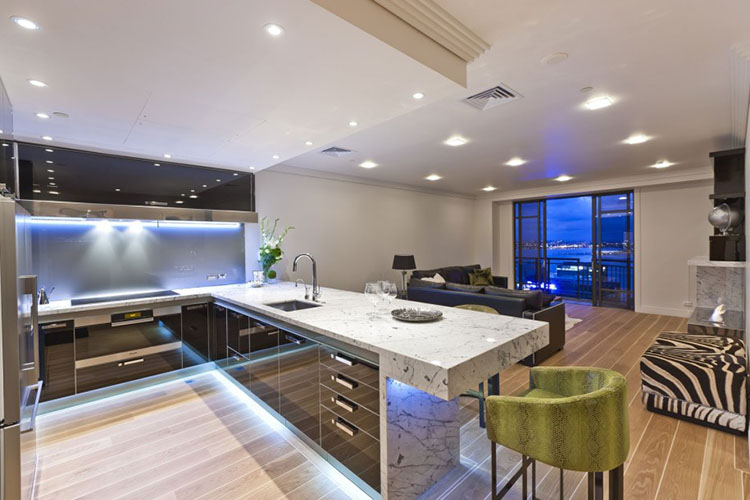 Inspirational Modern Luxury Kitchen Idea