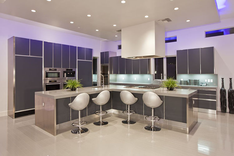 Modern Luxury Kitchen with L-shaped island