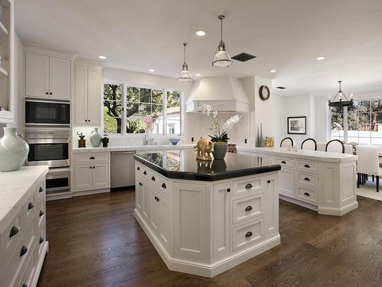 Clean White Luxury Kitchen