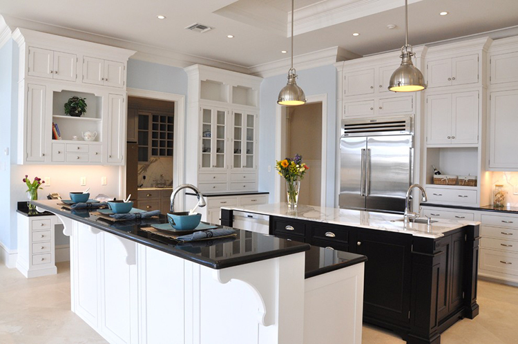 Luxury Kitche with stairstep island