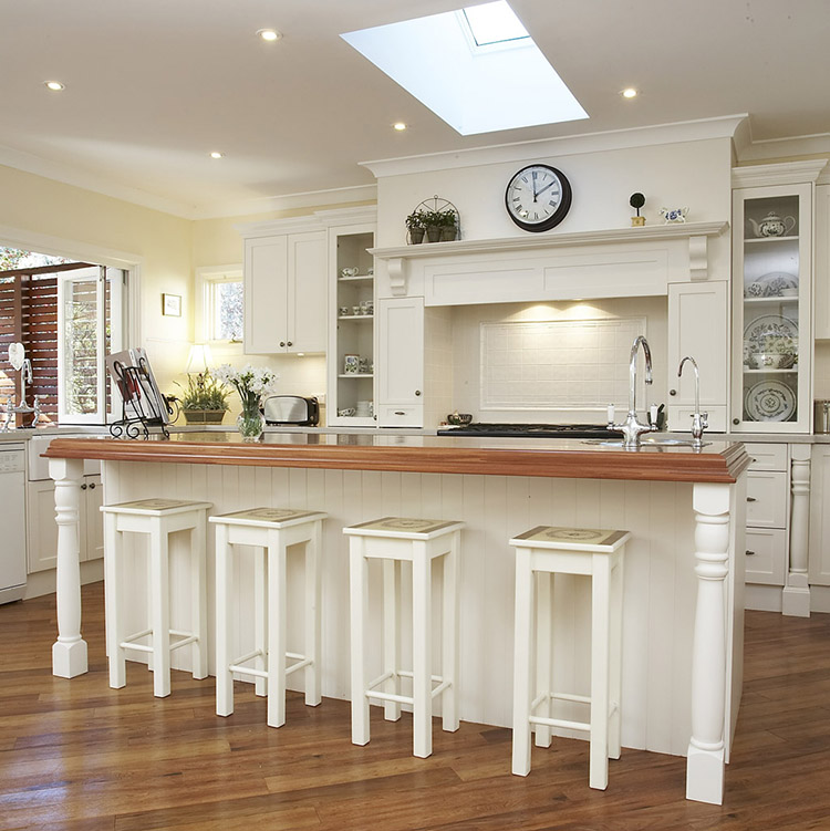 Luxury Kitchen with 4 square stools