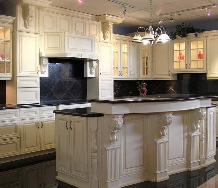 Classic Motif Luxury Kitchen