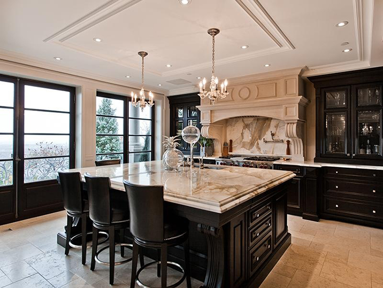 Luxury Kitchen that combines practicality with elegance
