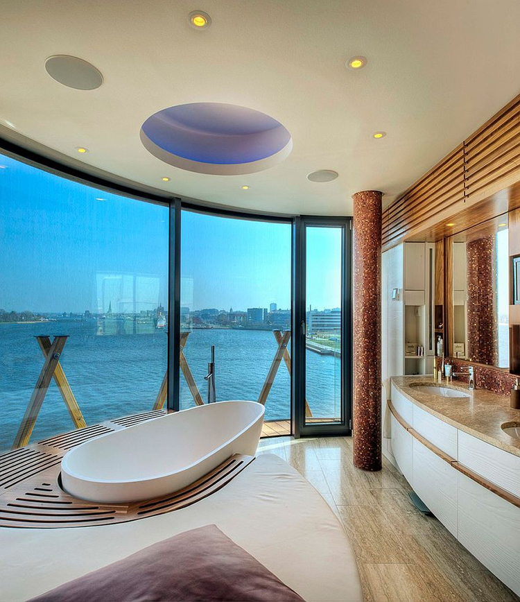 Luxury Bathroom045