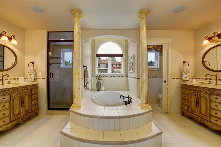 Luxury Bathroom048