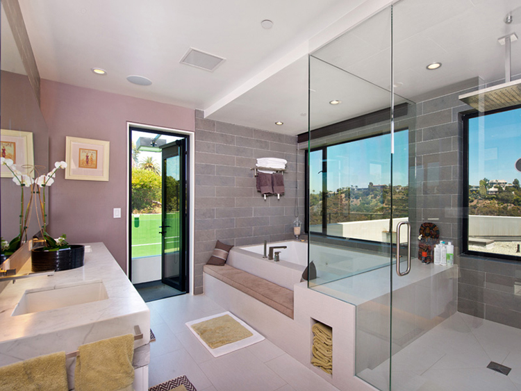 Luxury Bathroom085