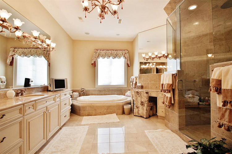 Luxury Bathroom204
