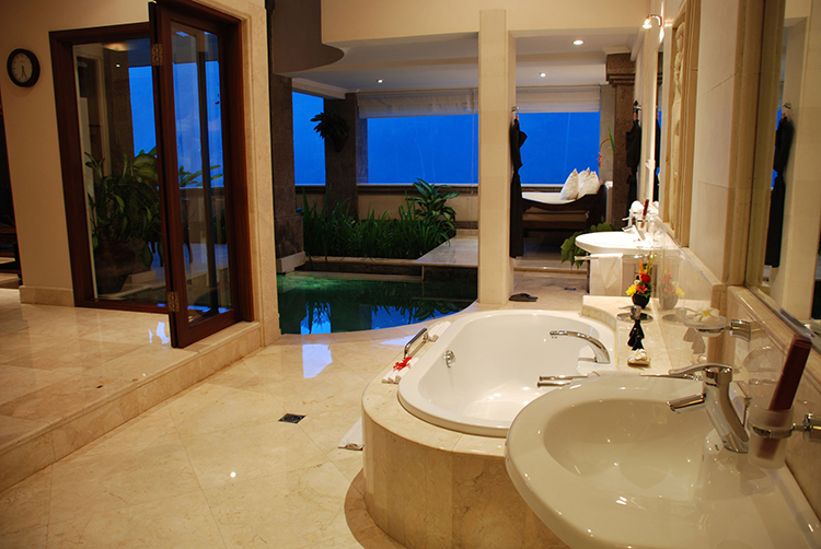 Luxury Bathroom403