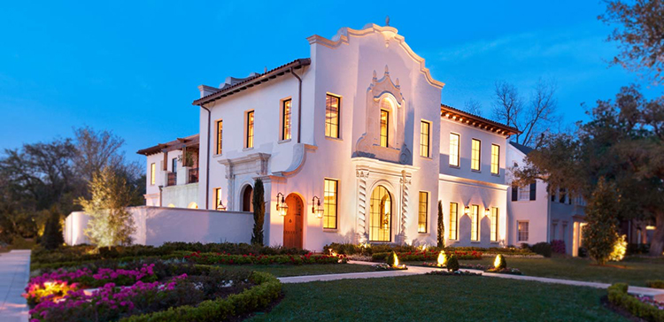 Lifetime Luxury - Spanish style building with baroque façade - Unique Architecture Design499