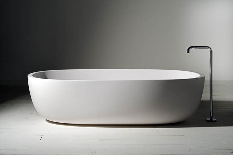 03. Luxury bath gallery - boffi_iceland_vasche_bathtub-photo in black and white
