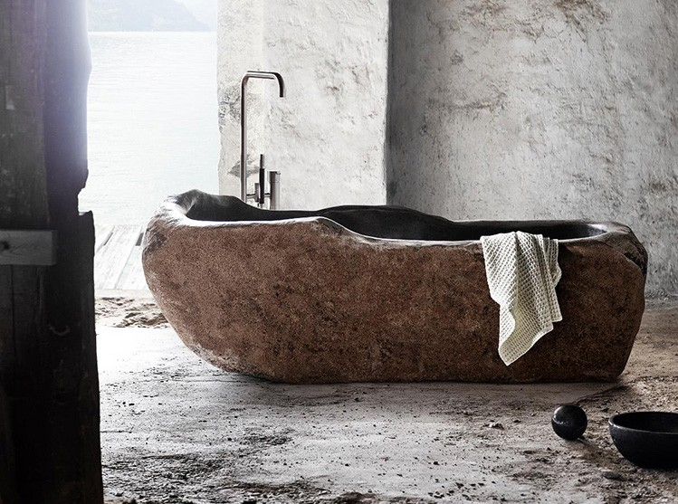 og.Luxury bath gallery - mubbs riverstone bath - bathrub made out of a single reddish river stone