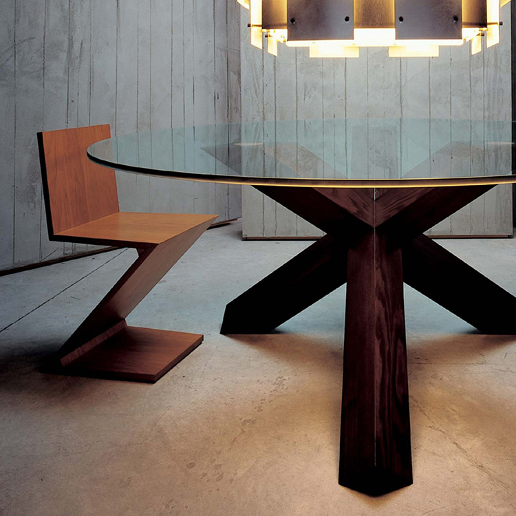 19. luxury chairs gallery, Gerrit Rietveld Zig Zag Chair