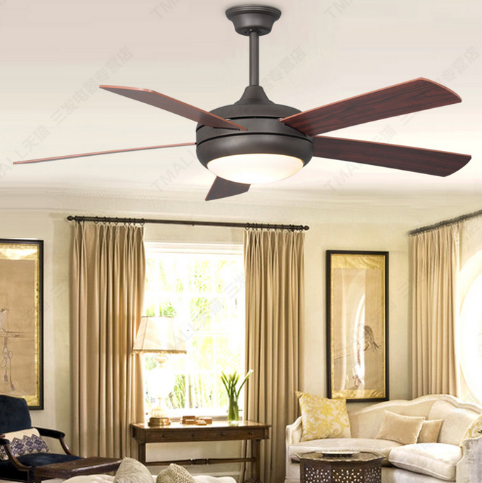 Propeller ceiling fan