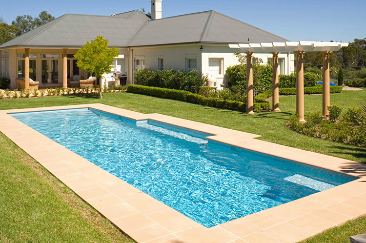 Luxury in ground swimming pools photo gallery lifetime for Luxury swimming pools